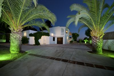 Modern luxury villa for sale close to the beach of Cala Salada, Ibiza