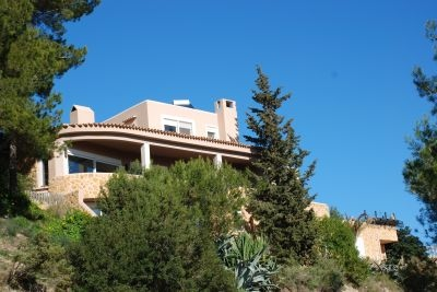 luxury-villa-for-sale-in-cal-furnet-with-breathtaking-views_3