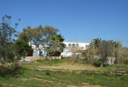 mansion-for-sale-san-lorenzo-ibiza-in-need-of-renovation-on-large-plot-9