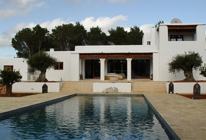 luxury-modern-villa-for-sale-large-plot-santa-eulalia-ibiza-1
