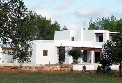 luxury-modern-villa-for-sale-large-plot-santa-eulalia-ibiza-3