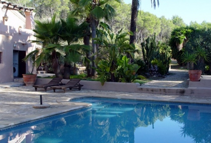 newly-reformed-rural-finca-with-pool-guest-house-santa-gertrudis-ibiza-1