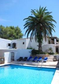 large-ibiza-villa-for-sale-with-guest-apartments-pi204