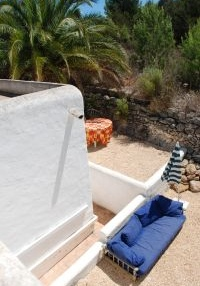 large-ibiza-villa-for-sale-with-guest-apartments-pool1-pi204