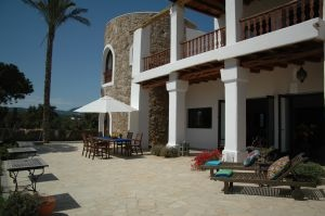 luxury-villas-for-sale-cala-jundal-terrace-pi150