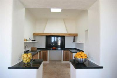 secluded-ibizan-villa-for-sale-kitchen-pi216
