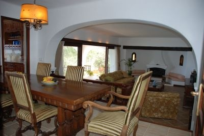 ibiza-villa-for-sale-first-line-to-sea_dining_pi229