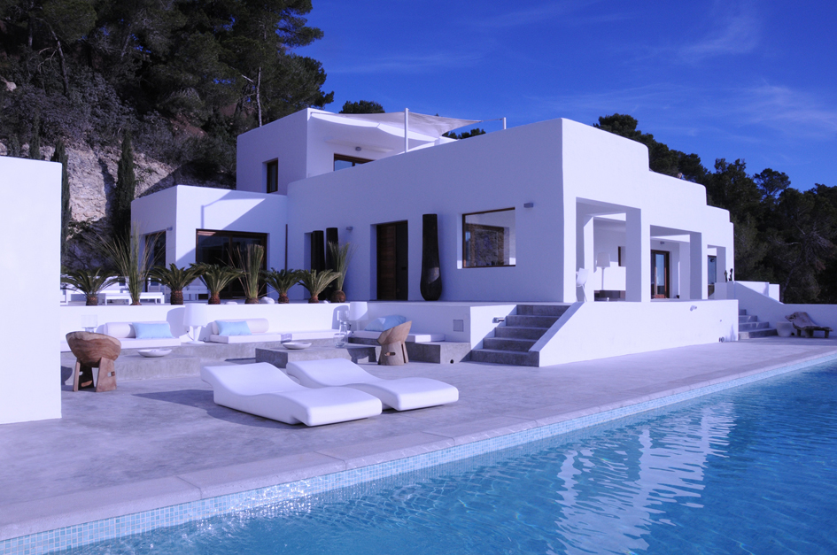 Luxury recently renovated home on the hillside of es - Casa en ibiza ...
