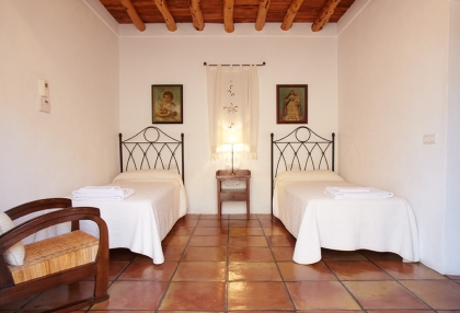recently restored finca dating back to 1750_16