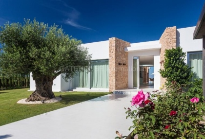 Luxury new buid home for sale in gated development in Cala Conta_2 - Copy