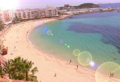 Santa Eularia apartment with direct beach access and views of the sea 1