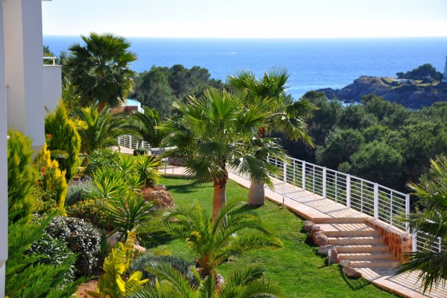 Brand new 4 bedroom apartments in Ibiza, close to the ...