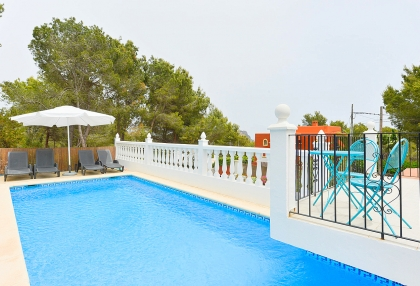 Spacious detached house in Santa Eularia with sea views_26