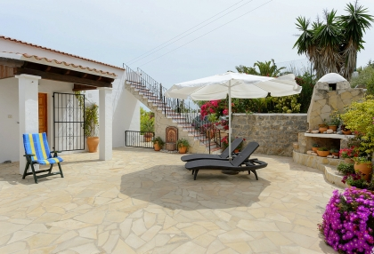 Spacious detached house in Santa Eularia with sea views_28