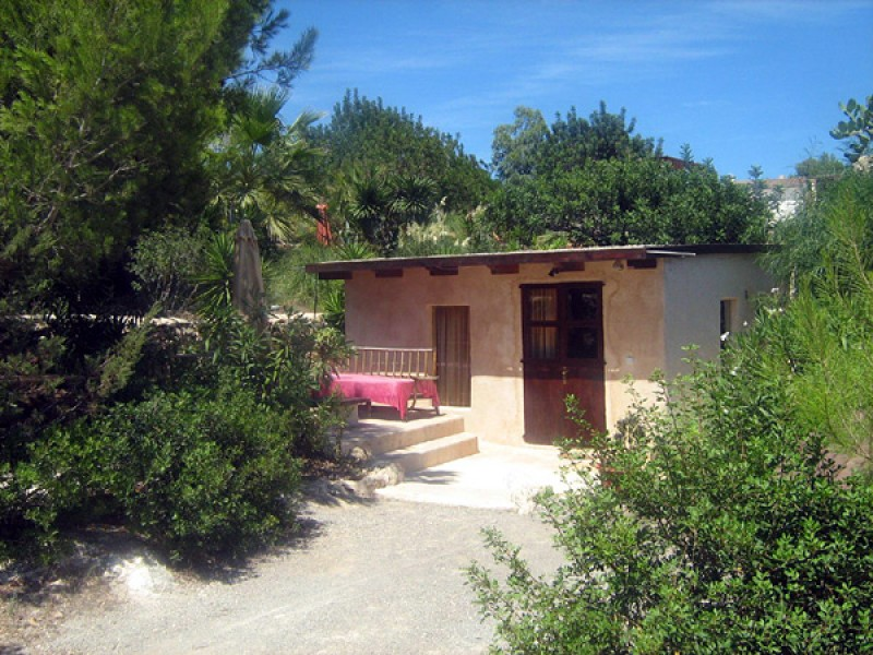 Charming, private Finca for sale with 3 separate Guest Houses & Sea