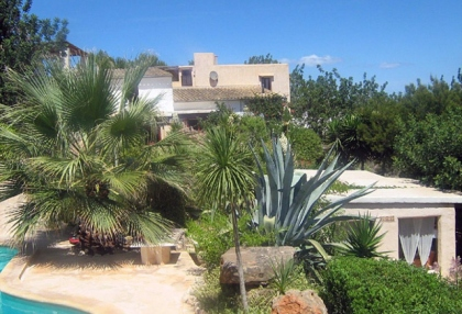 beautiful-finca-guest-house-with-stunning-views-for-sale-in-roca-llisa-ibiza-2