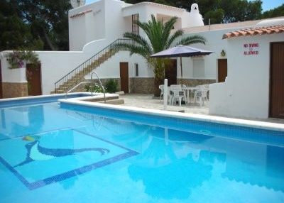 traditional-villa-set-in-the-beautiful-bay-of-cala-gracioneta_2