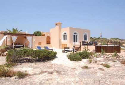 Sea view house for sale on Formentera at cala Envaster 11