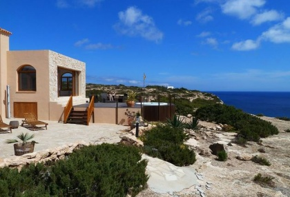 Sea view house for sale on Formentera at cala Envaster 12