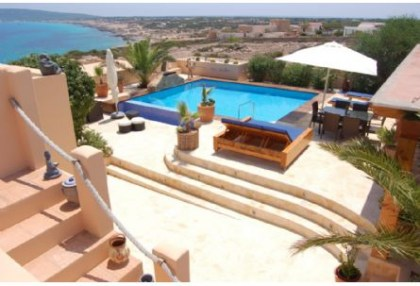 Sea view house for sale on Formentera at cala Envaster 8