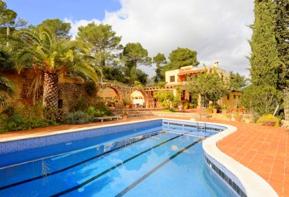 lovely traditional finca in santa eularia_1