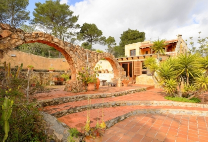 lovely traditional finca in santa eularia_23