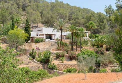 Huge finca with tennis court and guesthouse in idyllic area_2