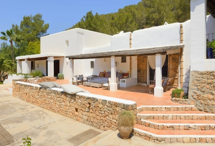 Huge finca with tennis court and guesthouse in idyllic area_24
