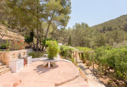 Huge finca with tennis court and guesthouse in idyllic area_26