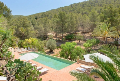 Huge finca with tennis court and guesthouse in idyllic area_3