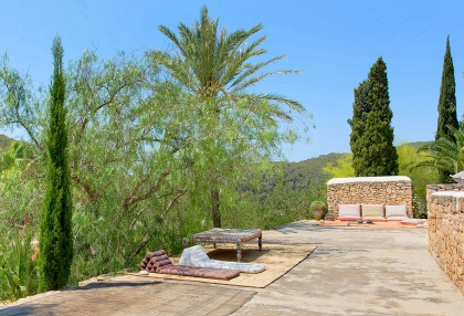 Huge finca with tennis court and guesthouse in idyllic area_33