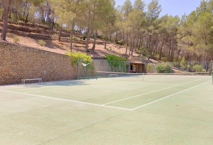 Huge finca with tennis court and guesthouse in idyllic area_39