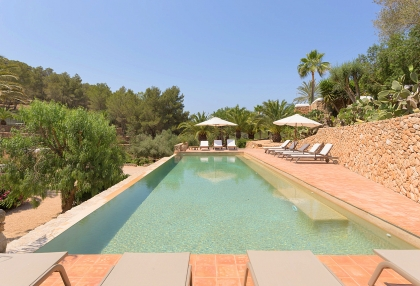 Huge finca with tennis court and guesthouse in idyllic area_4