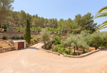 Huge finca with tennis court and guesthouse in idyllic area_41