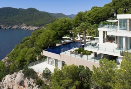 Ibiza real estate with direct sea access 17