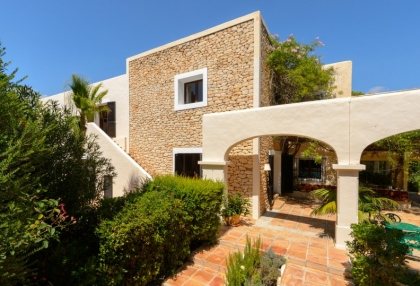 7 bedroom estate for sale west coast Ibiza with sea views 2