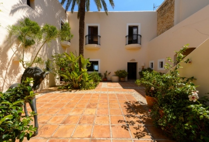 7 bedroom estate for sale west coast Ibiza with sea views 22