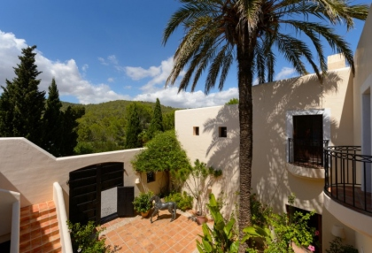 7 bedroom estate for sale west coast Ibiza with sea views 23