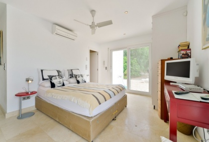 Modern 4 bedroom villa for sale near Cala Conta beach Ibiza 17