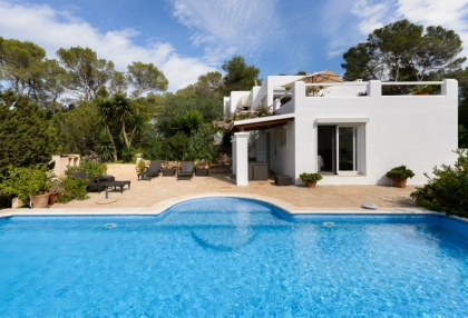 Modern 4 bedroom villa for sale near Cala Conta beach Ibiza 21