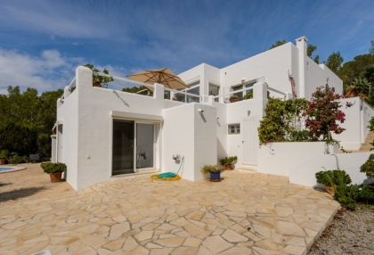 Modern 4 bedroom villa for sale near Cala Conta beach Ibiza 22