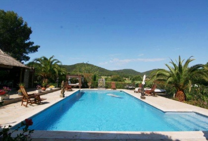 Large pool with 6 bedroom Roca Llisa golf luxury house for sale in Ibiza 3