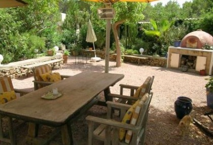Santa Eularia luxury villa with guest accommodation in private setting close to town 11