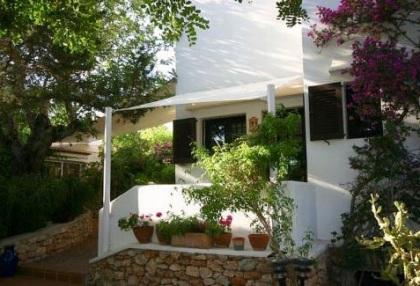 Santa Eularia luxury villa with guest accommodation in private setting close to town 12