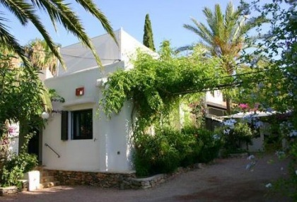 Santa Eularia luxury villa with guest accommodation in private setting close to town 18
