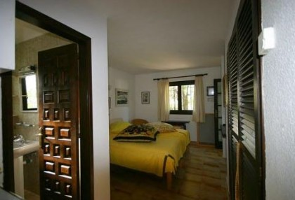 Santa Eularia luxury villa with guest accommodation in private setting close to town 4