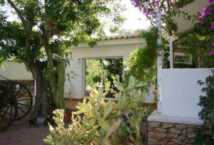 Santa Eularia luxury villa with guest accommodation in private setting close to town 5