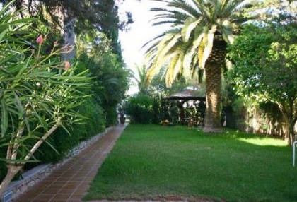 Santa Eularia luxury villa with guest accommodation in private setting close to town 9