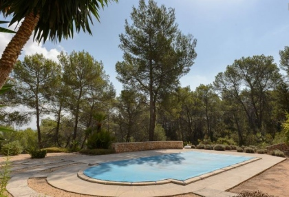 Secluded villa for sale Santa Eularia Ibiza with distant sea views 21
