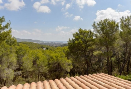 Secluded villa for sale Santa Eularia Ibiza with distant sea views 22